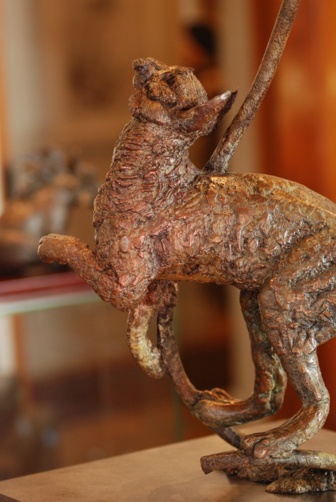 cat bronze,cat sculpture,cat statue